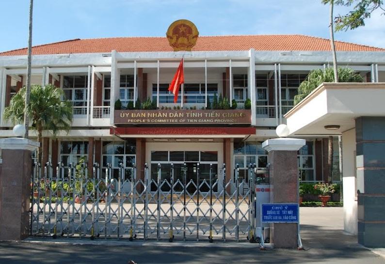 UBND tỉnh Tiền Giang cử hầu hết cán bộ chuẩn bị về hưu đi học tập kinh nghiệm ở nước ngoài về chống biến đối khí hậu (Thời sự trưa 16/11/2015)