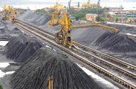 Tăng trưởng kinh tế liệu có còn phụ thuộc xuất khẩu tài nguyên khoáng sản? (Kinh tế ngày 22/7/2015)