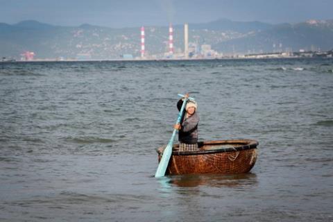 Môi trường biển Nam Trung Bộ trước thách thức nhận thêm 2.400.000 m3 bùn cát thải (10/7/2017)