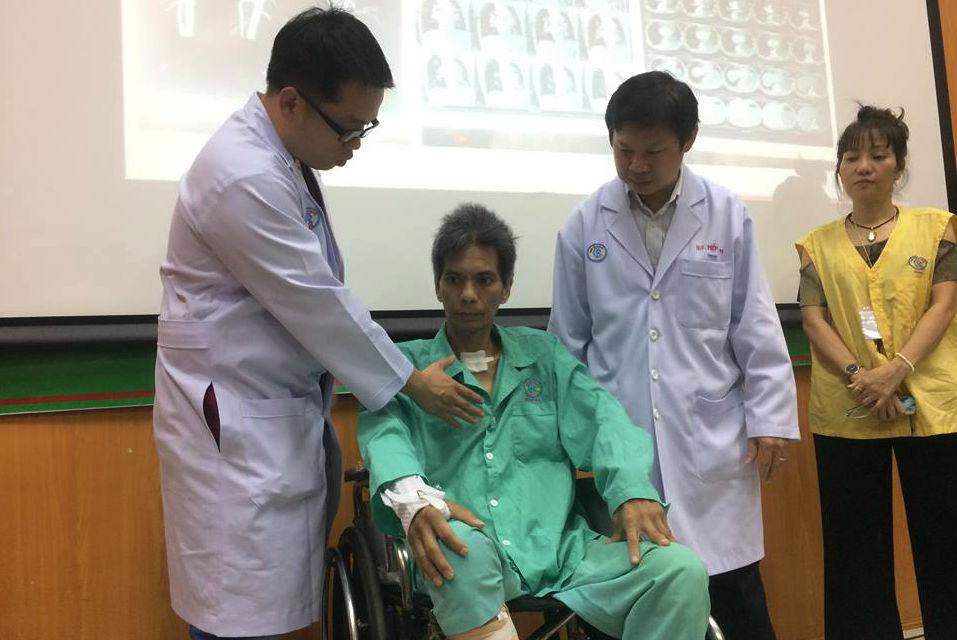 Các bác sĩ tại Bệnh viện Chợ Rẫy, thành phố Hồ Chí Minh vừa cứu sống một bệnh nhân đã 3 lần tim ngừng đập (Thời sự đêm 16/1/2018)