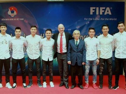 Chủ tịch Liên đoàn bóng đá thế giới FIFA thăm và làm việc tại Việt Nam (11/2/2018)