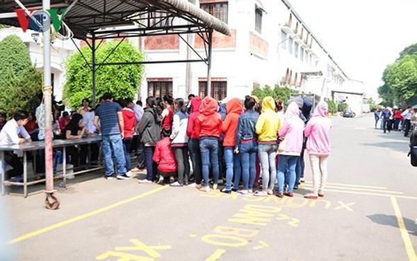 Ổn định việc làm cho 2.000 công nhân Texwell Vina ở Đồng Nai (3/3/2018)