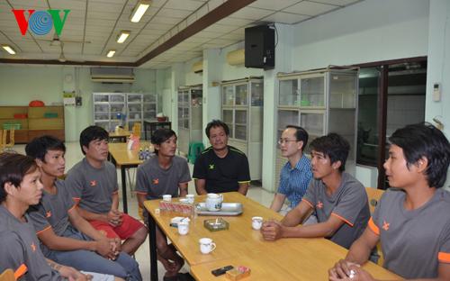 Thời sự sáng ngày 31/3/2015: Hôm nay, cơ quan hữu quan Việt Nam và Thái Lan hoàn tất thủ tục để đưa 7 ngư dân bị tàu nước ngoài đâm chìm về nước.