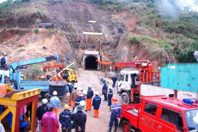 Thời sự đêm ngày 16/12/2014: Thủ tướng Chính phủ có công điện yêu cầu huy động mọi lực lượng, phương tiện, tổ chức tìm kiếm cứu nạn sự cố sập hầm thủy điện Đạ Dâng - Đa Chomo.