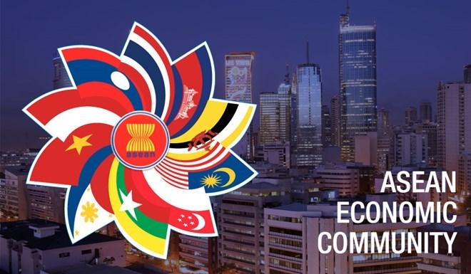 Hôm nay (31/12), cộng đồng kinh tế ASEAN chính thức thành lập khi bản tuyên bố thành lập cộng đồng ASEAN được ký kết bởi lãnh đạo của 10 nước thành viên Hiệp hội các quốc gia Đông Nam Á có hiệu lực. (Thời sự trưa 31/12/2015)