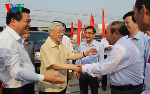 Tổng Bí thư Nguyễn Phú Trọng thăm và làm việc tại xã Đức Hòa Đông, tỉnh Long An (Thời sự trưa 15/3/2016)