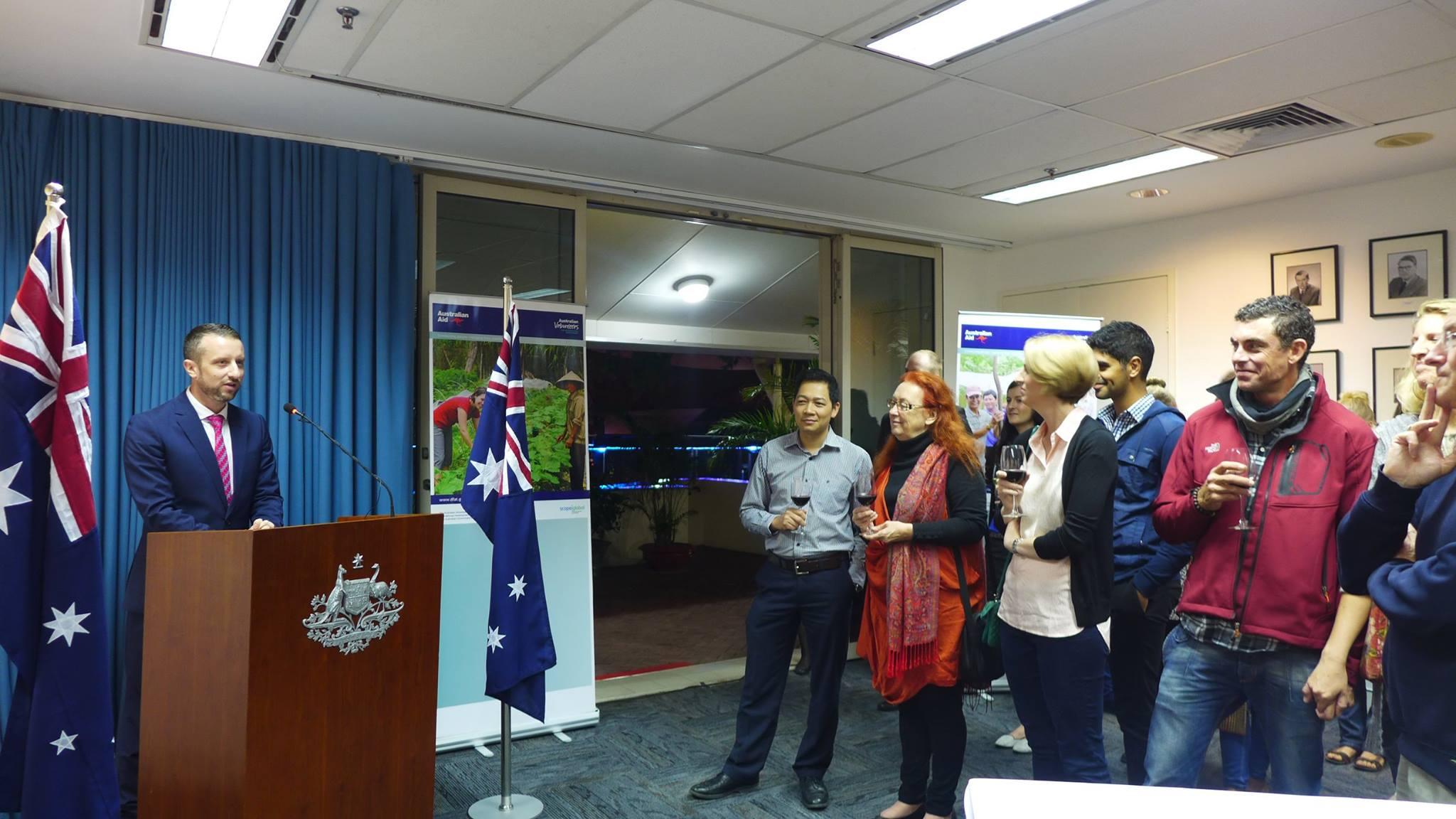 Tình nguyện viên: Cầu nối quan hệ Việt Nam- Australia.(10/12/2015)