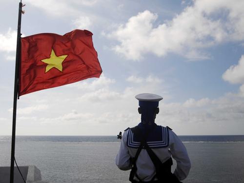 Chia sẻ của Đại úy Lê Đình Bình - chiến sĩ vùng 3 Hải quân về những chuyến tuần tra trực tết.(19/01/2016)