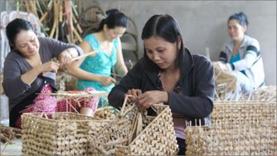 Chính phủ với người dân ngày 17/9/2014: Thành tựu xóa đói giảm nghèo của Việt Nam những năm qua góp phần tăng trưởng kinh tế bền vững.