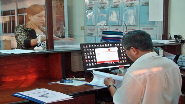 Chính phủ với người dân ngày 13/11/2014: Kê khai thuế qua mạng và nộp thuế điện tử ở tỉnh Vĩnh Phúc