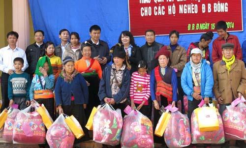 Chính phủ với người dân ngày 22/10/2014: Chính sách đối với hộ nghèo và đồng bào dân tộc thiểu số