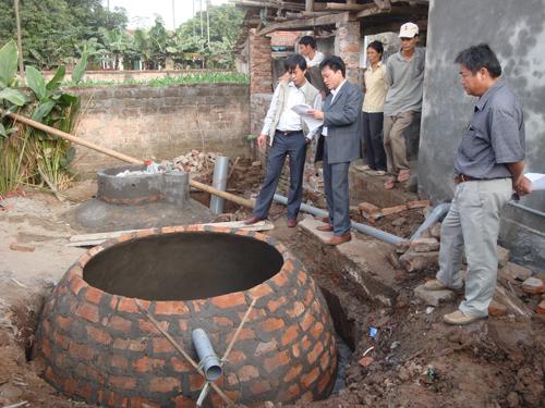 Chuyên gia của bạn ngày 26/11/2014: Tư vấn cách sử dụng vận hành khí sinh học biogas trong chăn nuôi nông hộ.