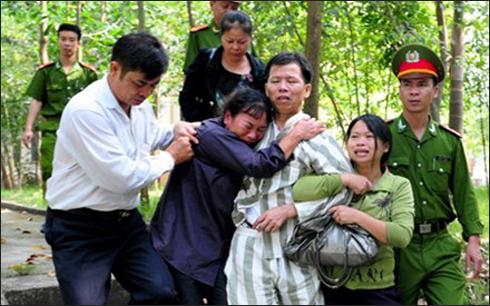 Pháp luật và đời sống ngày 04/11/2014: Làm gì để hạn chế oan sai trong tố tụng hình sự?