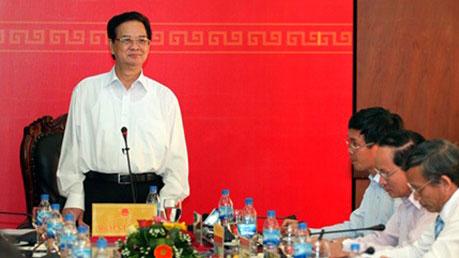 Thời sự đêm ngày 27/9/2014:Thủ tướng Nguyễn Tấn Dũng làm việc với lãnh đạo chủ chốt tỉnh Quảng Nam và tỉnh Quảng Ngãi về tình hình thực hiện nhiệm vụ phát triển kinh tế xã hội của địa phương.