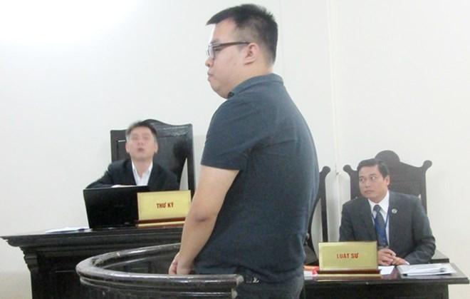 Điểm hẹn 17h ngày 20/11/2014: Vì sao một người giả danh là con trai Bí thư thành ủy Hà Nội lại có thể lừa vay được 15.000 Đô-la Mỹ từ một Đội trưởng Quản lý thị trường Hà Nội?