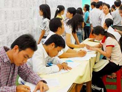 Chuyên gia của bạn ngày 28/8/2014: Tư vấn về  quyền lợi và trách nhiệm của người lao động trong việc thực hiện bảo hiểm thất nghiệp.