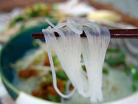 Thời sự sáng ngày 08/9/2014: Phát hiện bánh phở có chứa phooc-môn tại thành phố Hồ Chí Minh