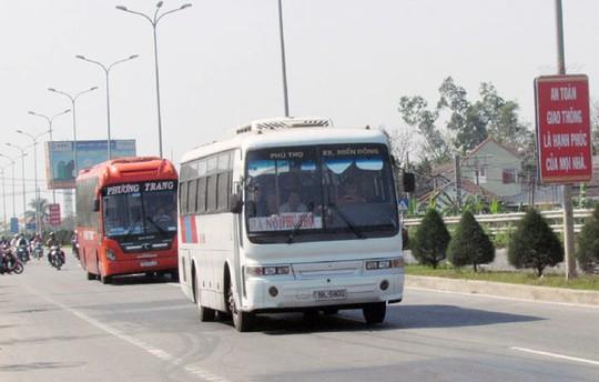Pháp luật và đời sống ngày 20/11/2014: Giao thông trên Quốc lộ 1A đoạn qua tỉnh Nghệ An diễn biến phức tạp
