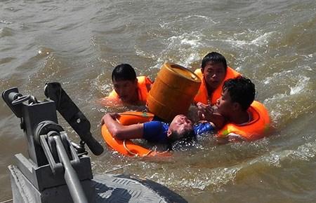 Biển đảo Việt Nam ngày 10/11/2014: Một số biện pháp đảm bảo an toàn khi gặp sự cố trên biển.