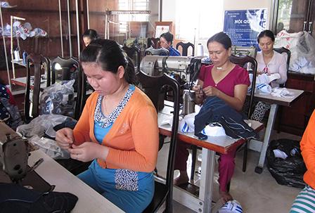 Nông nghiệp và nông thôn ngày 28/8/2014: Thới Lai-Cần Thơ: Hiệu quả từ mô hình đào tạo nghề cho lao động nông thôn.