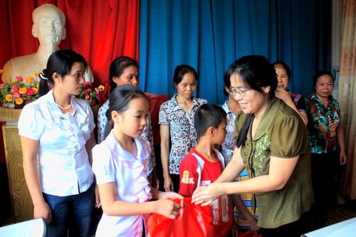 Theo dòng thời sự ngày 28/7/2014: Công đoàn Việt Nam: Hướng về cơ sở, vì người lao động
