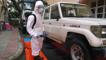 Thời sự sáng ngày 20/8/2014:  Hai trường hợp hành khách người Nigeria có biểu hiện sốt nghi nhiễm vi-rút Ebola nhập cảnh vào nước ta.