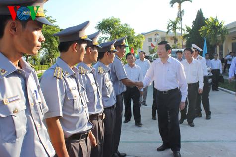 Thời sự chiều ngày 03/7/2014: Thăm lực lượng cảnh sát biển và kiểm ngư tại Đà Nẵng, Chủ tịch nước Trương Tấn Sang khẳng định: Bên cạnh các lực lượng thực thi pháp luật là hơn 90 triệu người dân Việt Nam cùng đồng lòng giữ vững chủ quyền biển đảo