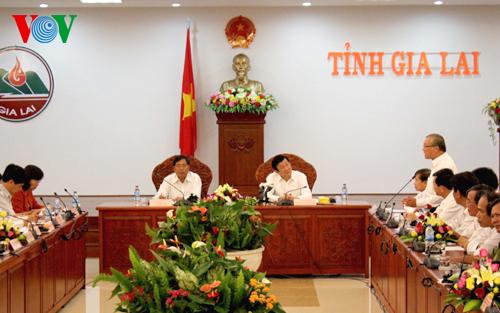 Thời sự trưa ngày 22/9/2014: Chủ tịch nước Trương Tấn Sang làm việc tại Gia Lai tìm hiểu về tình hình phát triển kinh tế xã hội và an ninh quốc phòng trên địa bàn