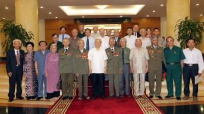 Thời sự chiều ngày 26/8/2014: Tổng Bí thư Nguyễn Phú Trọng gặp mặt thân mật các cựu thanh niên xung phong.