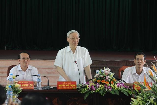Thời sự trưa ngày 02/8/2014: Tổng Bí thư Nguyễn Phú Trọng thăm xã đạt chuẩn nông thôn mới giai đoạn 2011 đến 2015 của Hà Nam