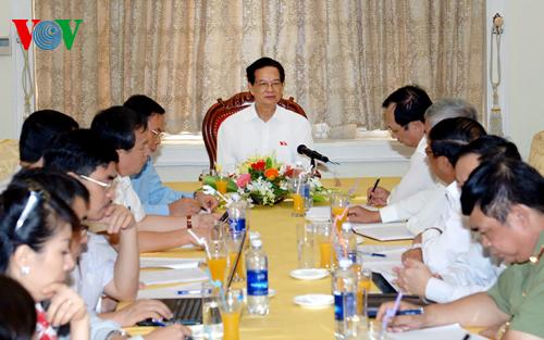 Thời sự đêm ngày 03/10/2014: Thủ tướng Nguyễn Tấn Dũng làm việc với Lãnh đạo chủ chốt thành phố Hải Phòng nhằm đánh giá tình hình phát triển kinh tế xã hội 9 tháng qua.