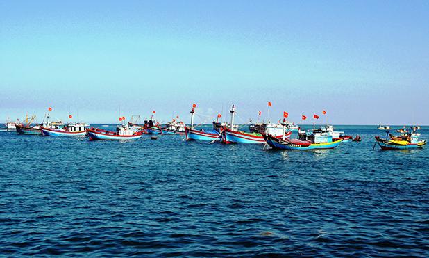 Diễn đàn kinh tế ngày 6/7/2014: Đảm bảo an toàn cho ngư dân vươn khơi bám biển