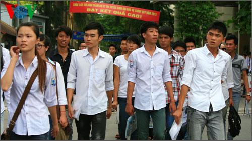 Thời sự đêm ngày 29/6/2014: Bộ Giáo dục & Đào tạo điều chỉnh quy định về đối tượng ưu tiên trong tuyển sinh Đại học - Cao đẳng năm nay