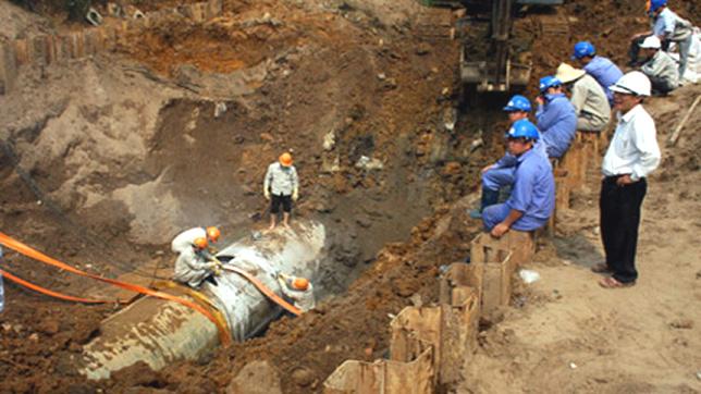 Việt Nam trong tuần ngày 19/7/2014: Vỡ đường ống dẫn nước sông Đà - Trách nhiệm thuộc về ai?