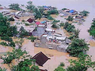 Đối thoại cuối tuần ngày 05/7/2014: Chủ động phát huy tính chủ động của người dân để ứng phó với biến đổi khí hậu, hướng tới phát triển bền vững