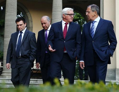 Thời sự sáng ngày 18/8/2014: Ngoại trưởng 4 nước Ucraina, Nga, Đức và Pháp nhóm họp để tìm cách tháo gỡ cuộc khủng hoảng tại Ucraina