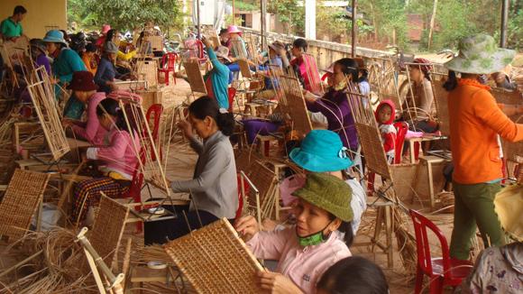 Chính phủ với người dân ngày 14/7/2014: Chỉ đào tạo nghề cho lao động nông thôn khi đã xác định được nơi làm việc
