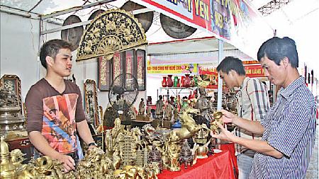 Văn hóa giải trí ngày 19/9/2014: Nghề đúc đồng nổi tiếng tại Ý Yên, Nam Định