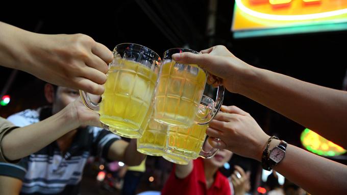 Thời sự  đêm ngày 23/7/2014: - Bộ Y tế lấy ý kiến người dân về các phương án liên quan đến nội dung cấm bán rượu bia sau 22h00