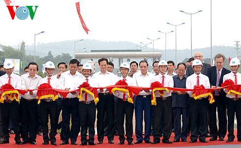 Thời sự trưa ngày 21/09/2014: Thủ tướng Nguyễn Tấn Dũng chính thức phát lệnh thông xe toàn tuyến cao tốc Hà Nội - Lào Cai