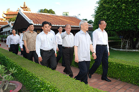 Thời sự trưa ngày 04/7/2014:Tổng Bí thư Nguyễn Phú Trọng làm việc với cán bộ chủ chốt tỉnh Bình Thuận