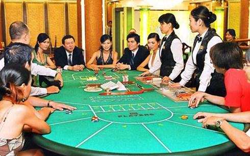 Nhiều ý kiến đồng tình với đề xuất của Bộ Tài chính về thí điểm cho phép người Việt được phép đánh bạc tại một số casino.