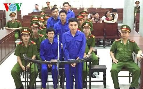 Xét xử sơ thẩm 6 bị cáo nguyên là cán bộ chủ chốt của Tổng Công ty Đường sắt Việt Nam và Ban quản lý Dự án đường sắt về tội