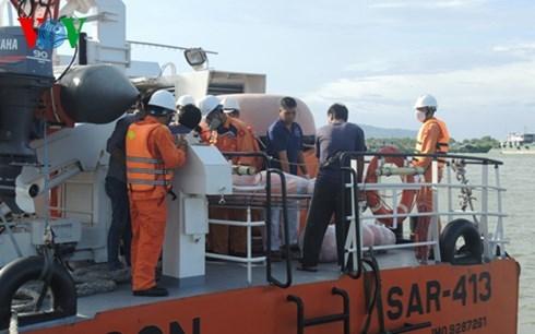 Đã tìm thấy thi thể nạn nhân cuối cùng trong vụ chìm tàu Hoàng Phúc 18 tại biển Cần Giờ, thành phố Hồ Chí Minh vào đêm 30/10 vừa qua (Thời sự đêm 9/11/2015)
