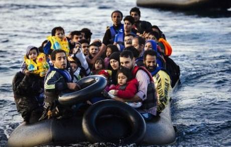 Liên minh Châu Âu và Thổ Nhĩ Kỳ vừa đạt được thỏa thuận về gói hỗ trợ 3 tỷ Euro nhằm đưa nước này trở thành tiền tuyến giúp giải quyết dòng người tị nạn. (30/11/2015)