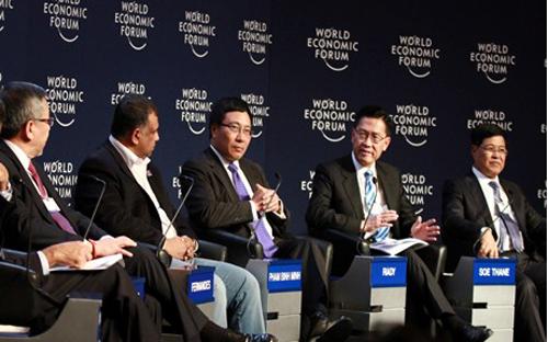 Thời sự đêm ngày 25/01/2015: Tham dự Diễn đàn kinh tế thế giới Davos 2015, Phó Thủ tướng Phạm Bình Minh nêu bật sự phục hồi rất tích cực của kinh tế Việt Nam và khẳng định cam kết của Chính phủ về cải thiện môi trường đầu tư