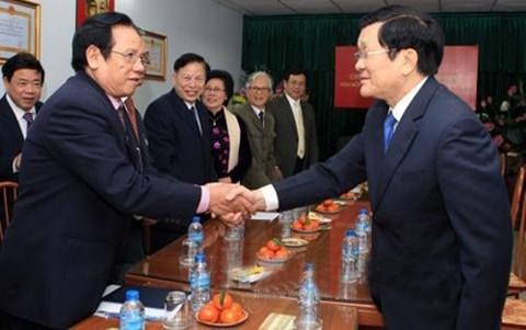 Thời sự đêm ngày 06/01/2015: Chủ tịch nước Trương Tấn Sang thăm và làm việc với Hội Cựu Thanh niên xung phong Việt Nam.