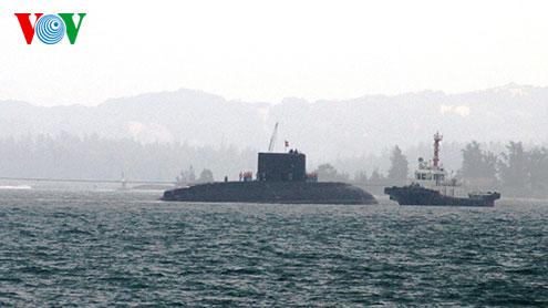 Biển đảo Việt Nam ngày 09/01/2015: Làm chủ tàu ngầm Kilo hiện đại, tăng cường sức mạnh để bảo vệ chủ quyền biển đảo Tổ quốc của Hải quân nhân dân Việt Nam.