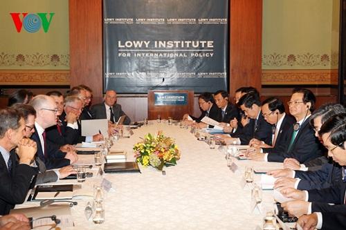 Thời sự đêm ngày 17/3/2015: Chiều nay tại Sydney, Thủ tướng Nguyễn Tấn Dũng đã có bài phát biểu và thảo luận với các học giả, nhà nghiên cứu hàng đầu Australia tại Viện Lowy