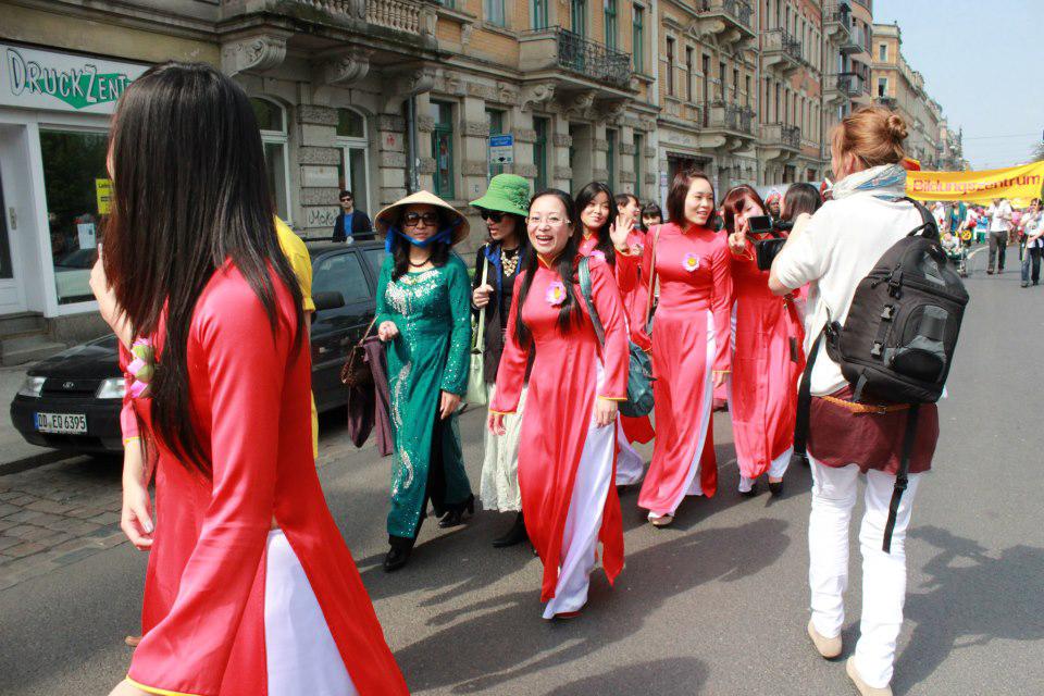 Văn hóa giải trí ngày 31/3/2015: Nét đẹp trang phục áo dài truyền thống Việt Nam